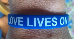 Silicone Love bracelet - The Grief Toolbox