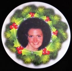 Holiday Wreath Photo Magnet or Pin